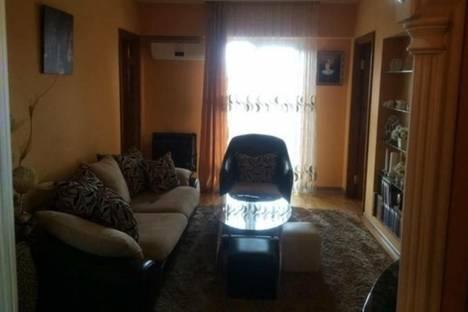 Сдается 3-комнатная квартира посуточнов Батуми, Лука Асатиани, 43.