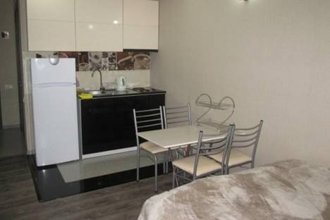 Сдается 1-комнатная квартира посуточнов Батуми, Шериф Химшиашвили, 15 а.