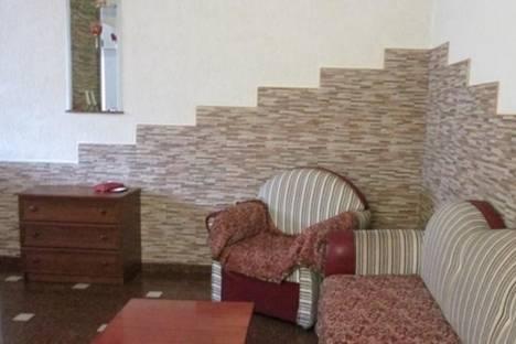 Сдается 2-комнатная квартира посуточно в Батуми, ул. Царя Парнаваза, 59.