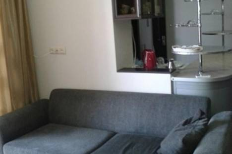 Сдается 3-комнатная квартира посуточнов Батуми, Горгасали, 136.