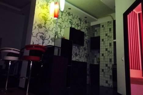 Сдается 2-комнатная квартира посуточно в Батуми, Царя Парнаваза, 115.