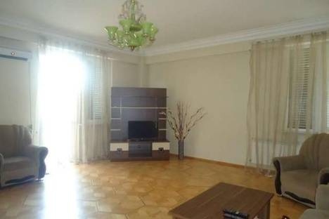 Сдается 4-комнатная квартира посуточно в Тбилиси, Сулхан Цинцадзе, 39.