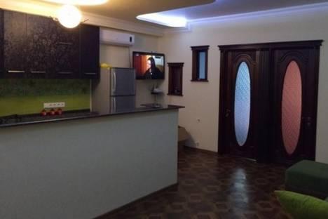 Сдается 3-комнатная квартира посуточно в Батуми, Казбеги, 5/7.