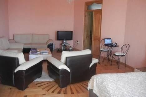 Сдается 5-комнатная квартира посуточно в Батуми, Ангиса, 5.