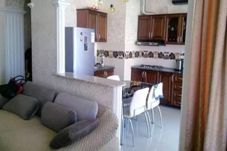 Сдается 2-комнатная квартира посуточно в Батуми, Ангиса, 8.