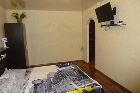 Сдается 1-комнатная квартира посуточно в Тольятти, ул. Комсомольская, 167.