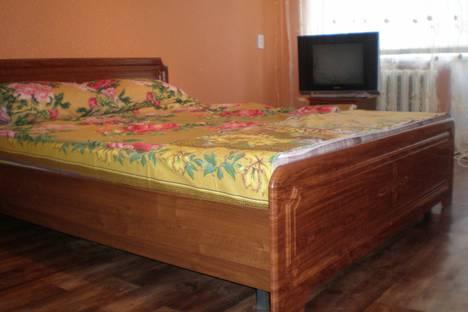Сдается 1-комнатная квартира посуточно в Балакове, ул. Набережная 50 лет ВЛКСМ  д.17.