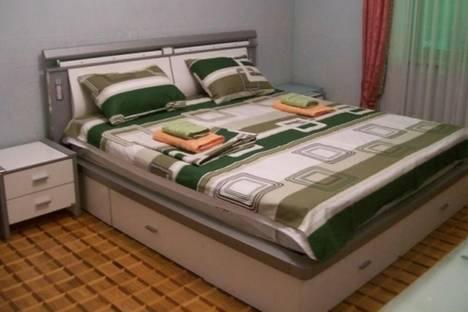 Сдается 3-комнатная квартира посуточнов Баку, Физули, 3.