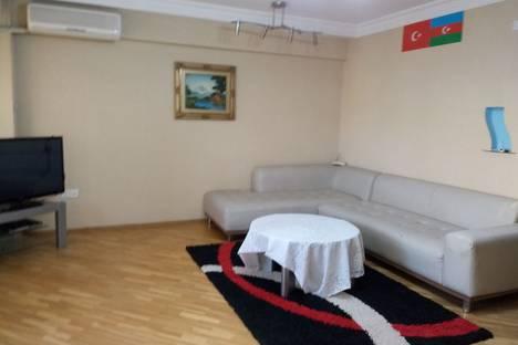 Сдается 3-комнатная квартира посуточно, ул. Узеира Гаджибекова, 34.