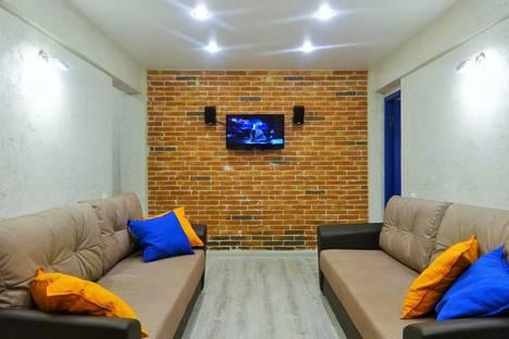 Сдается 2-комнатная квартира посуточнов Ангарске, 13 микрорайон, д. 16.