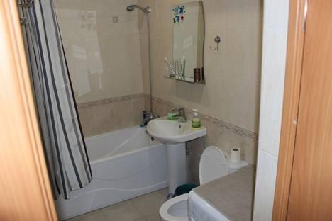 Сдается 2-комнатная квартира посуточно в Новочеркасске, проспект Ермака, 56.