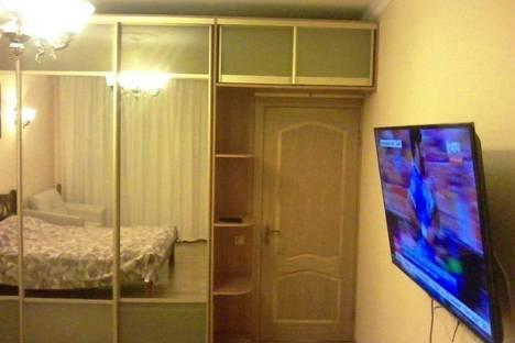 Сдается 2-комнатная квартира посуточно в Сочи, Горького, 87.