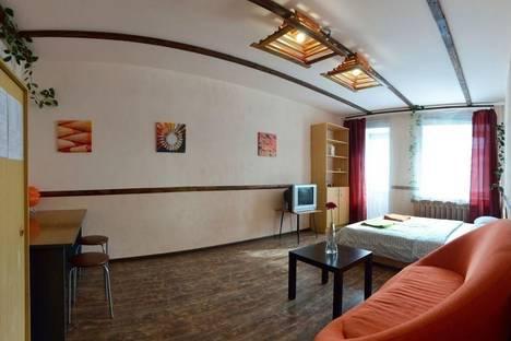 Сдается 1-комнатная квартира посуточнов Кирове, Красноармейская ул, 76А.