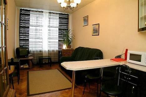 Сдается 2-комнатная квартира посуточнов Казани, Зинина, 1.