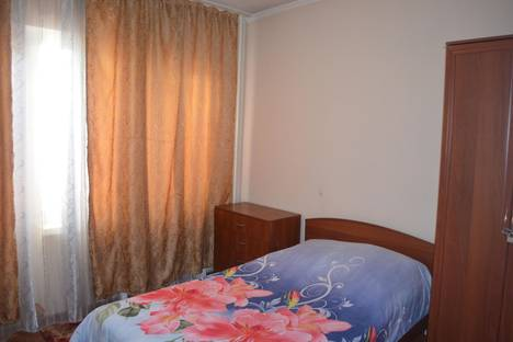 Сдается 2-комнатная квартира посуточнов Бишкеке, ул. А. Суюмбаева, 14.