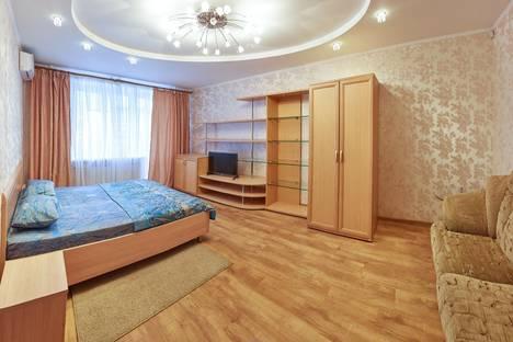 Сдается 1-комнатная квартира посуточнов Кургане, Карельцева 101.