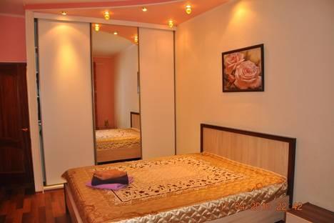 Сдается 2-комнатная квартира посуточно в Мурманске, проспект Ленина, 84.