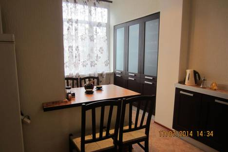Сдается 1-комнатная квартира посуточно в Нижневартовске, ул. Ленина 36 б, Мир 38 а.
