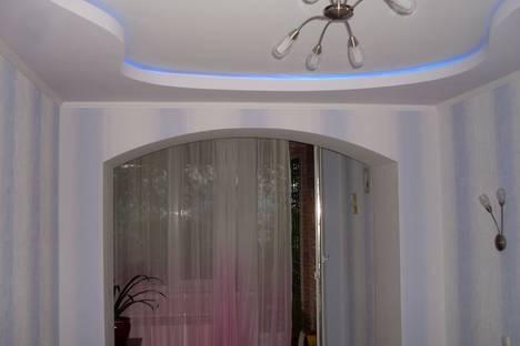 Сдается 2-комнатная квартира посуточно в Алуште, нижняя Октябрьская, 28.