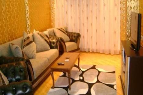 Сдается 3-комнатная квартира посуточнов Баку, проспект Нефтяников, 114.