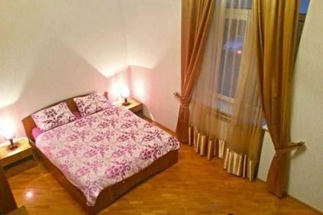 Сдается 1-комнатная квартира посуточно в Баку, Нефтяников, 7а.