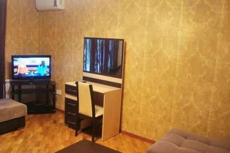 Сдается 1-комнатная квартира посуточно в Баку, Узеира Гаджибекова, 23.