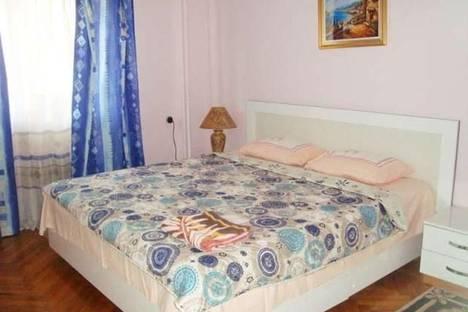 Сдается 1-комнатная квартира посуточно в Баку, Узеира Гаджибекова, 27.