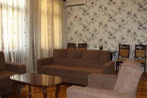 Сдается 2-комнатная квартира посуточно в Баку, Р. Бейбутова, 13.