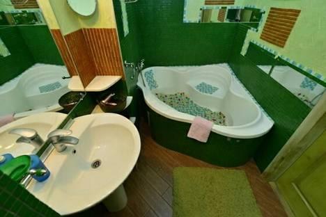 Сдается 2-комнатная квартира посуточно в Киеве, Межигорская ул., 22.