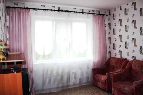 Сдается 1-комнатная квартира посуточнов Великом Новгороде, улица Коровникова 4/1.