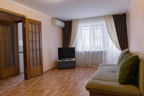Сдается 2-комнатная квартира посуточно в Ростове-на-Дону, ул. Большая Садовая, 33.