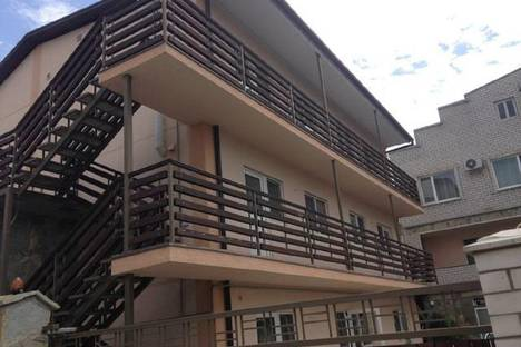 Сдается 1-комнатная квартира посуточно в Геленджике, ул. Шишкина, 3.
