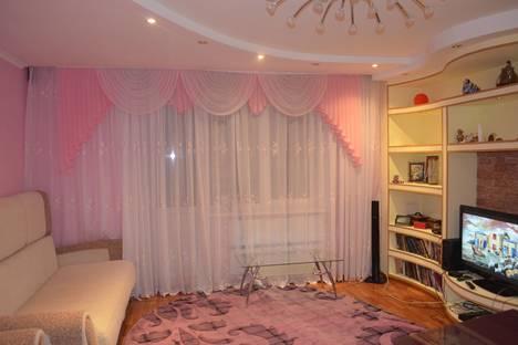 Сдается 1-комнатная квартира посуточнов Нягани, 4 мкр. 23.