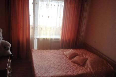Сдается 2-комнатная квартира посуточно в Кстове, ул. 40 лет Октября, 15.