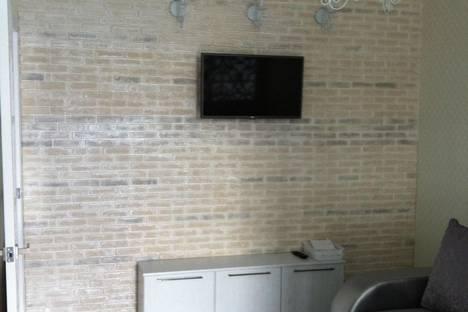 Сдается 2-комнатная квартира посуточно в Алуште, Ревкомовский переулок 4.