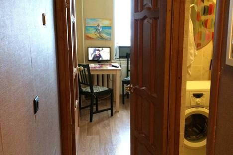Сдается 1-комнатная квартира посуточнов Уфе, ул. Братьев Кадомцевых, 11/1.
