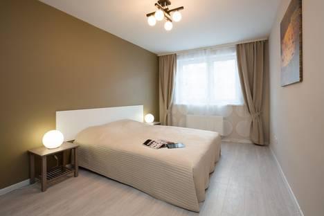 Сдается 1-комнатная квартира посуточно в Екатеринбурге, Ильича 42а.