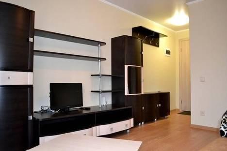 Сдается 2-комнатная квартира посуточно в Туле, ул. Фрунзе, 25.