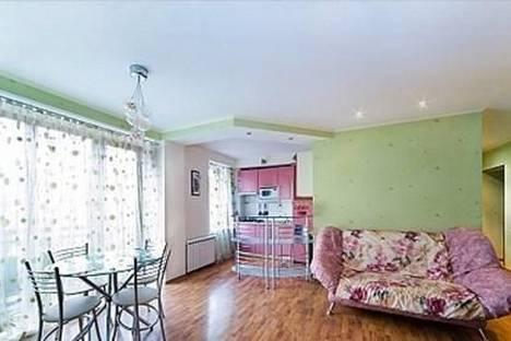 Сдается 2-комнатная квартира посуточно в Туле, Тореза, 9.