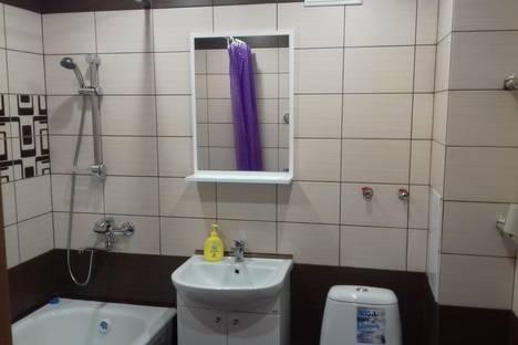 Сдается 1-комнатная квартира посуточно в Благовещенске, ул. Комсомольская, 89.