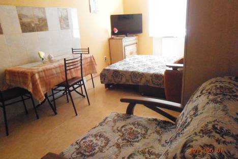 Сдается 2-комнатная квартира посуточно в Ессентуках, ул. Орджоникидзе, 84к3.