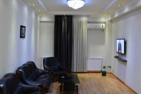 Сдается 3-комнатная квартира посуточно в Тбилиси, пр. Руставели, 19.