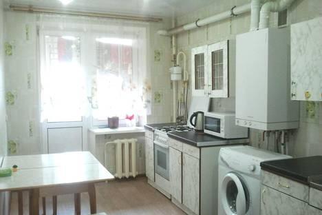 Сдается 2-комнатная квартира посуточнов Великом Новгороде, Центральная ул., 18.