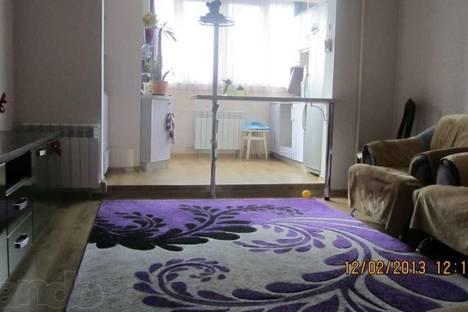 Сдается 2-комнатная квартира посуточно в Алуште, улица Октябрьская, 55.