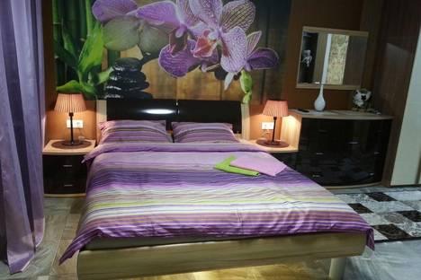 Сдается 1-комнатная квартира посуточно в Люберцах, ул. Инициативная, дом 13.