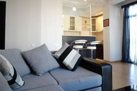 Сдается 3-комнатная квартира посуточно, Павле Ингороква, 19, корп. 19.