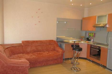 Сдается 1-комнатная квартира посуточнов Тюмени, ул. 50 лет ВЛКСМ, 15.