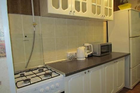 Сдается 2-комнатная квартира посуточно в Астрахани, Саратовская 17.