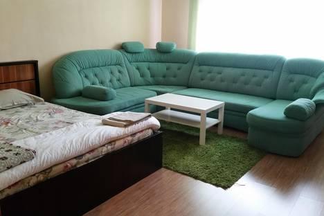 Сдается 2-комнатная квартира посуточно в Елабуге, ул. Тугарова, 8.