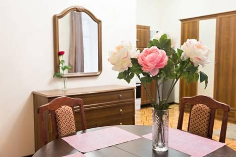 Сдается 3-комнатная квартира посуточно в Санкт-Петербурге, ул. Достоевского, 32.